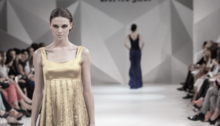 attractive-beauty-catwalk-262039